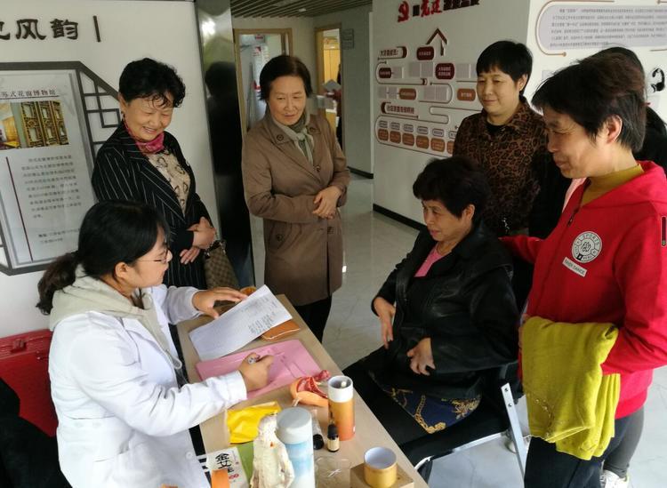 """火車站社區開展""""中醫治未病""""專家義診活動"""